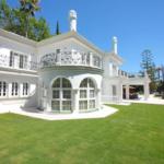 Detached 5 Bedroom Villa in Aloha Spain